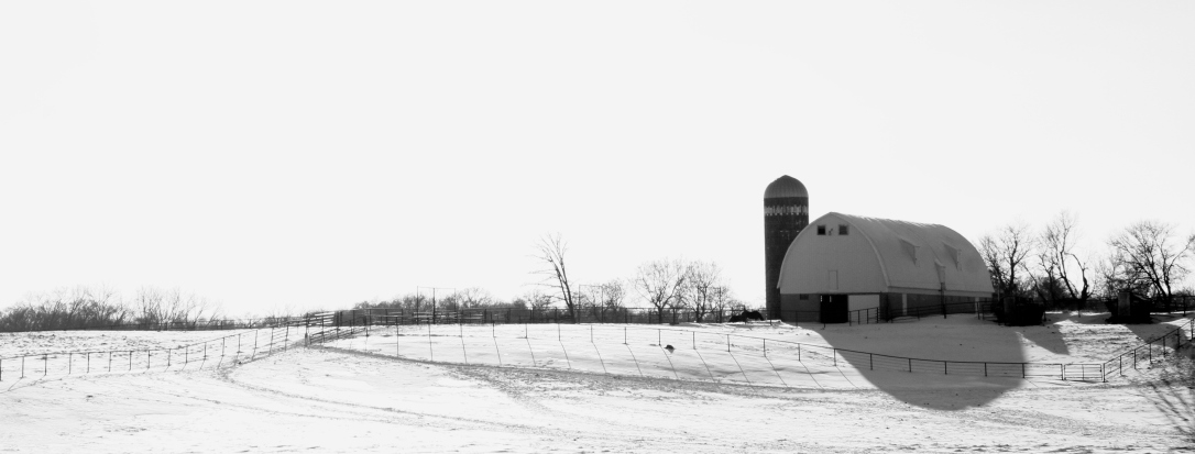 barn-along-interstate-35-south-of-burnsville